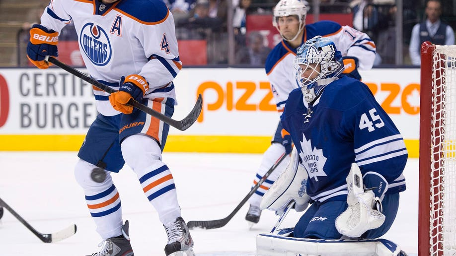3fd089d3-Oilers Leafs Hockey