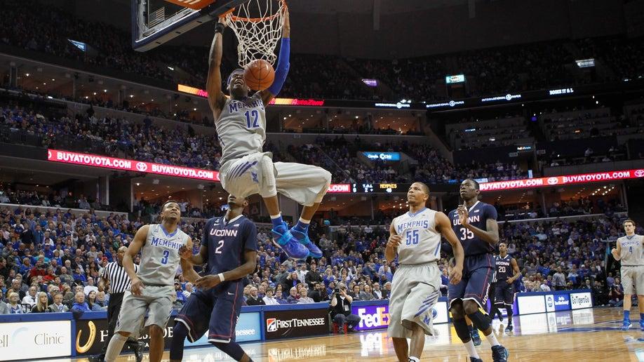 d64ba3d3-UConn Memphis Basketball
