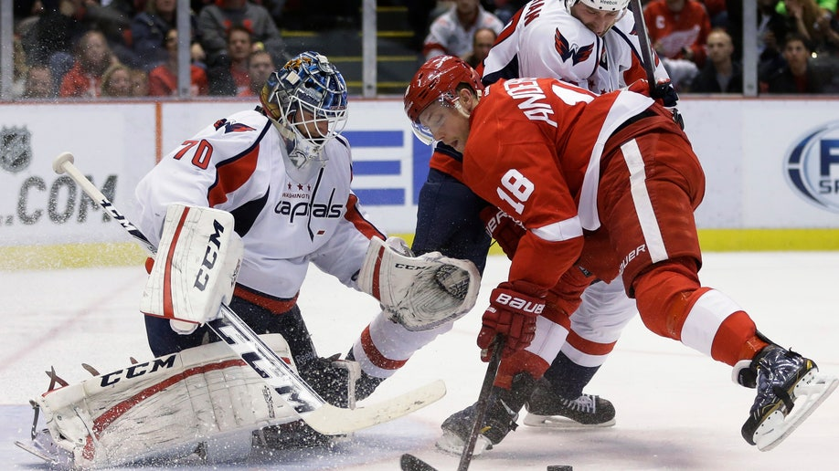 fc2c3c01-Capitals Red Wings Hockey