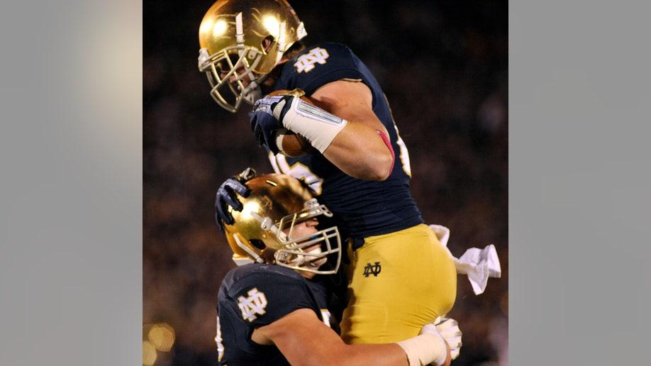 42f68995-USC Notre Dame Football