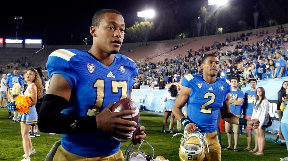 da255a61-Washington UCLA Football