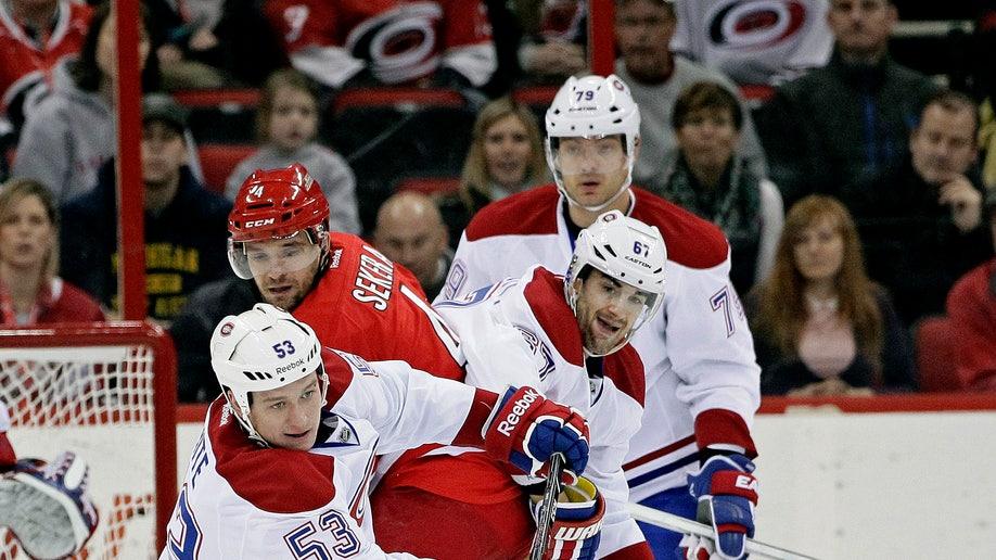 b72fae73-Canadiens Hurricanes Hockey