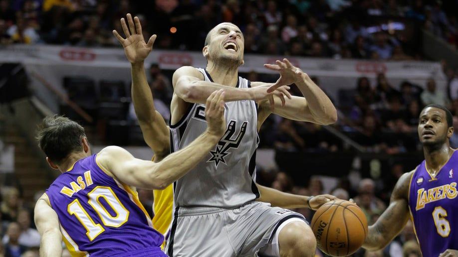 fe12eab2-Lakers Spurs Basketball