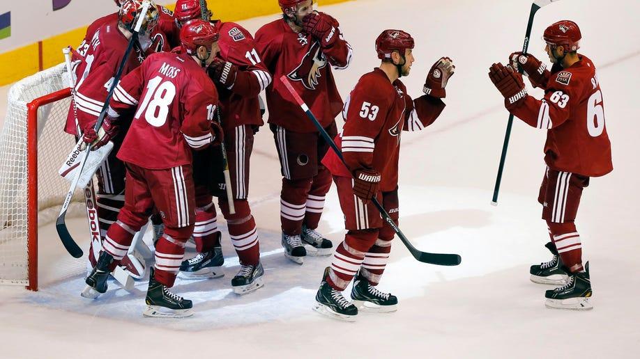 ff1170e0-Oilers Coyotes Hockey