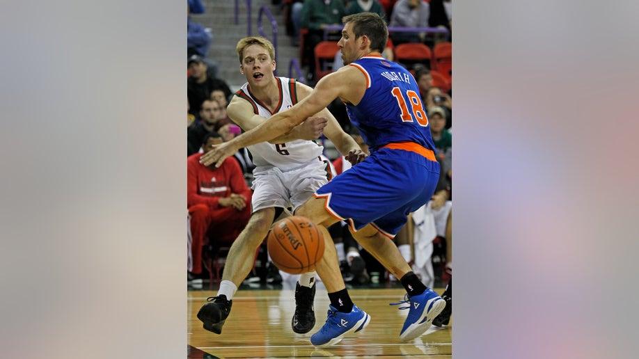 83ff4d0e-Knicks Bucks Basketball