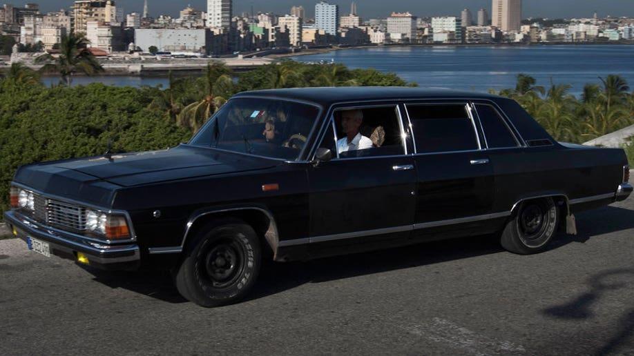 90ecb831-Cuba Fidels Limos