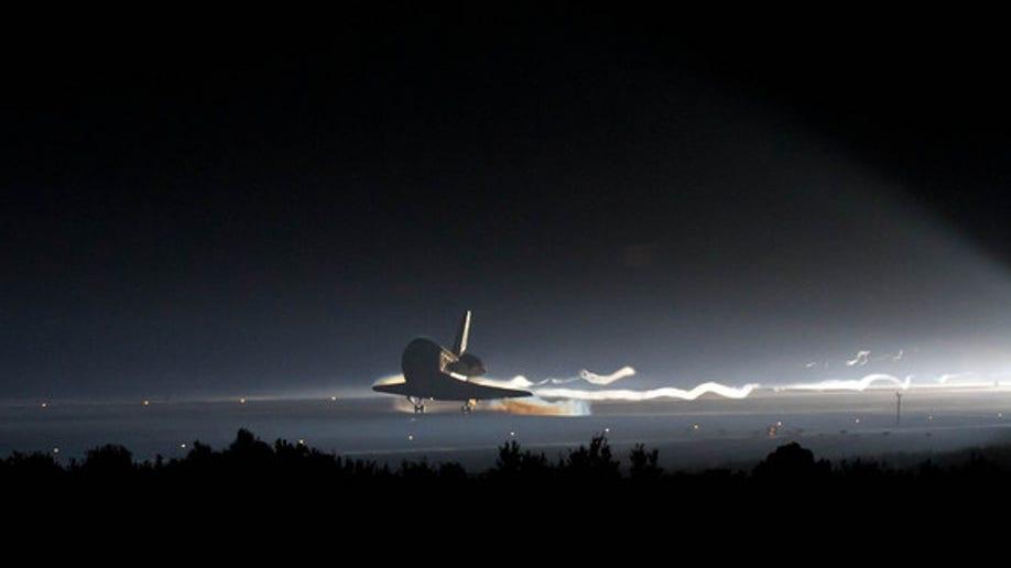 c38a6d47-STS-135 Landing