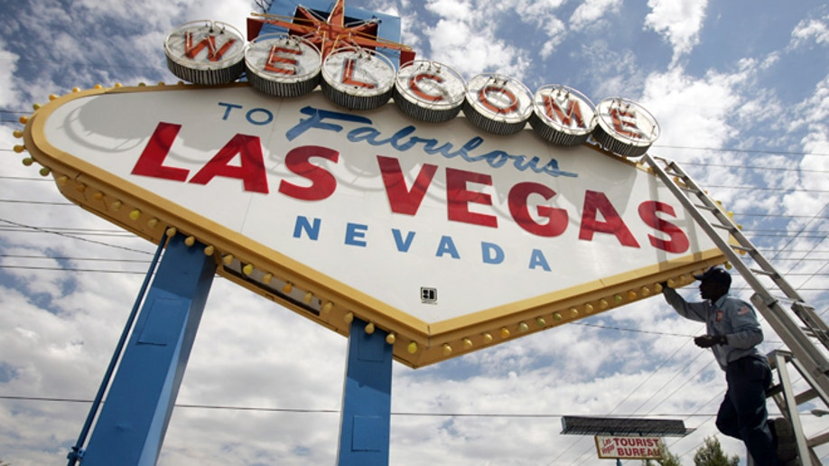 be7b3d7f-Travel-Trip-5 Free Things-Vegas