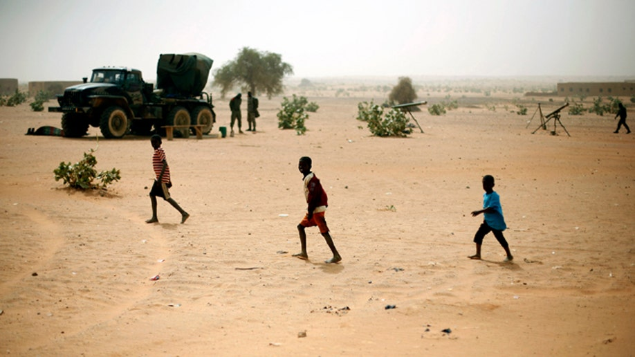 586fedcb-Mali Fighting