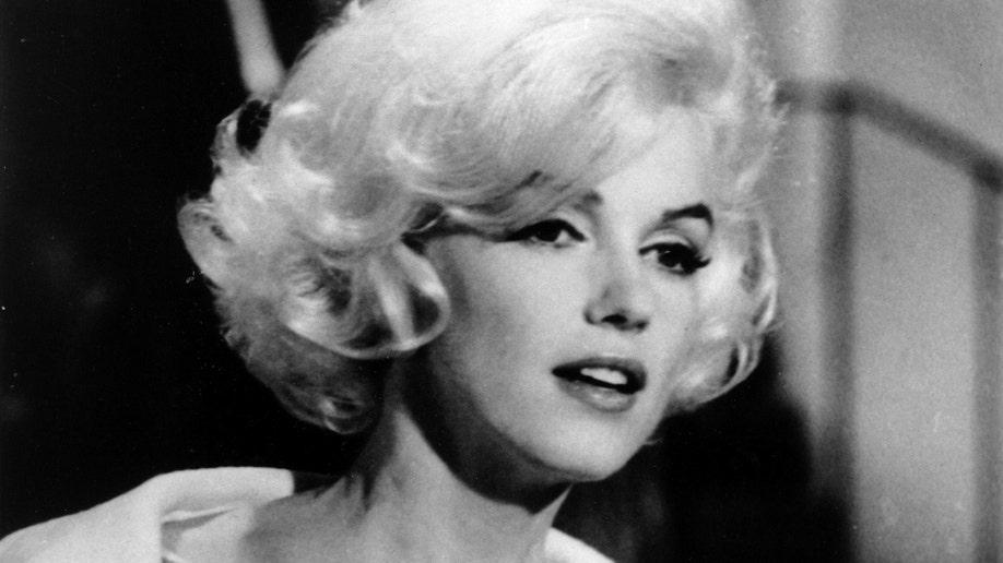 Marilyn Monroe Dress2