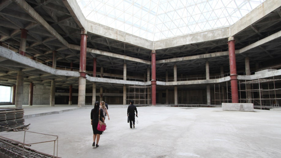 5ba86db3-North Korea Pyramid Hotel