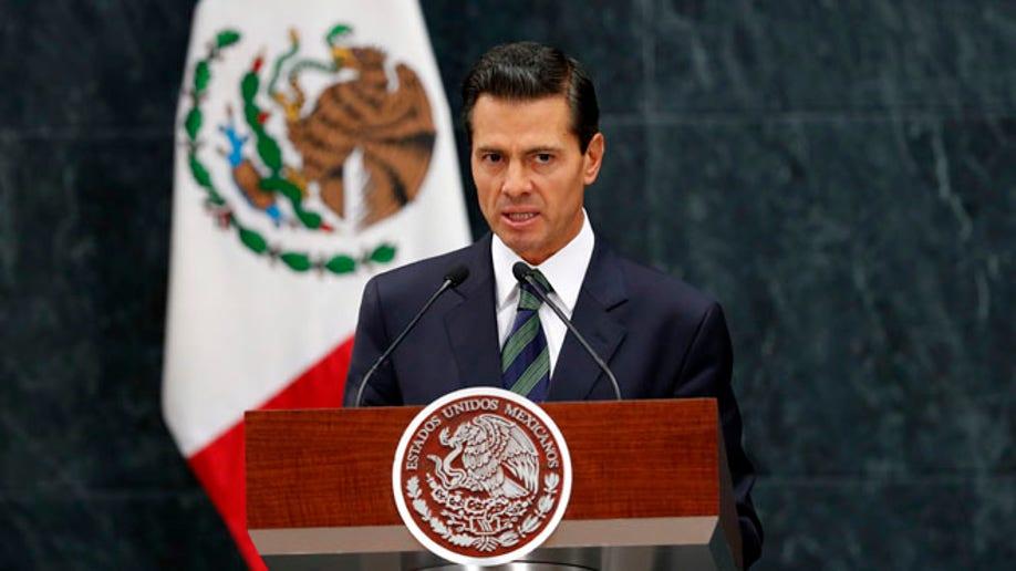 d22784d7-Campaign 2016 Trump Mexico