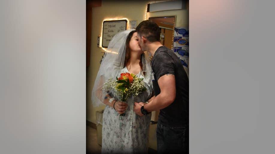 bb00373c-newlyweds_hospital