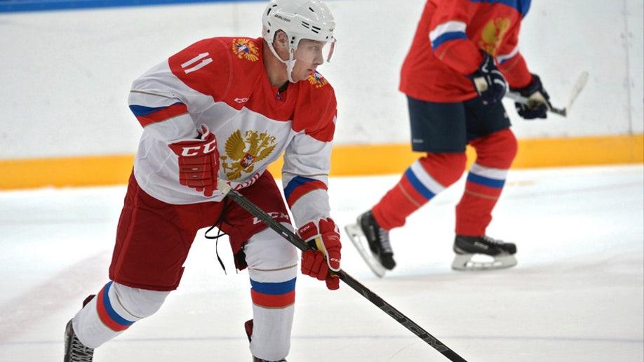 putin-ice-hockey