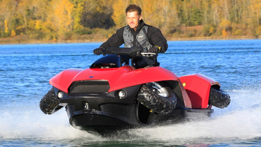 18ccd5dc-Amphibious Vehicle