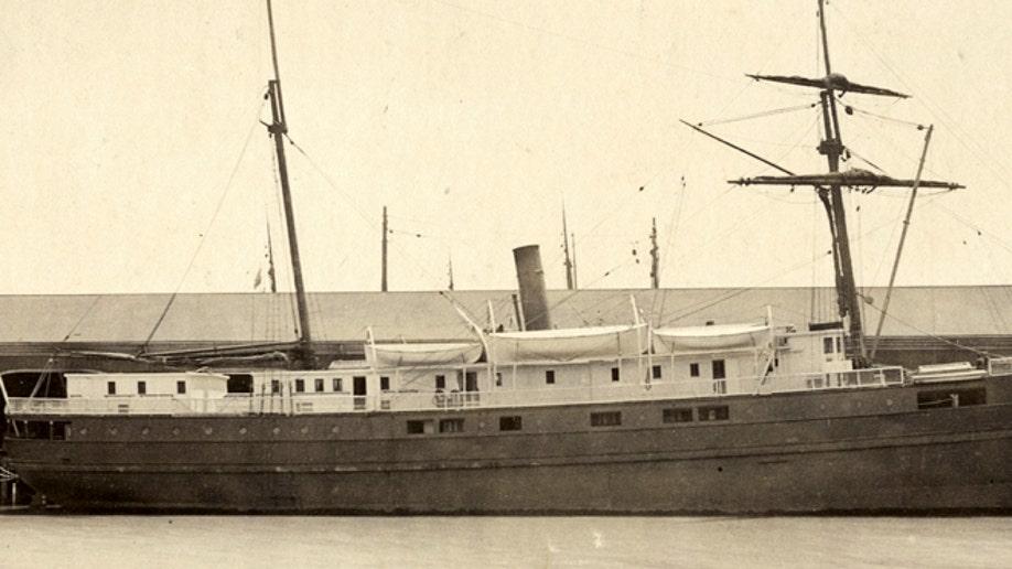 1a7ef946-San Francisco Bay Old Shipwreck