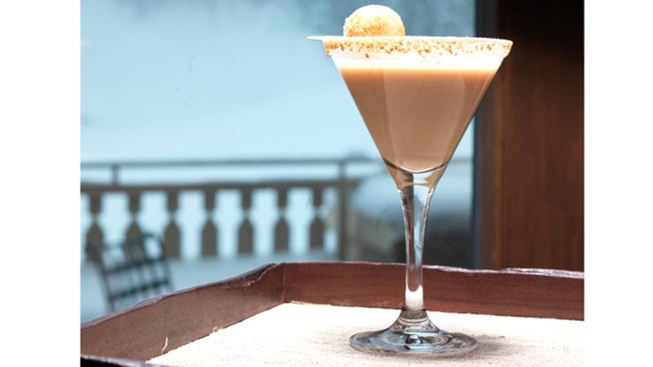 08505078-Travel-Ski Resort Cocktails