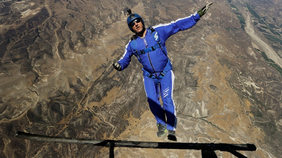 skydiver-2