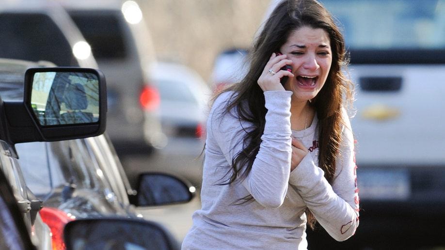 621f4825-APTOPIX Connecticut School Shooting