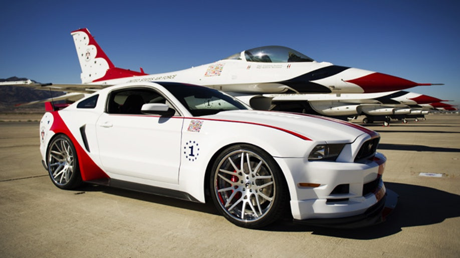 4bcb76ec-U.S. Air Force Thunderbirds Edition 2014 Ford Mustang GT