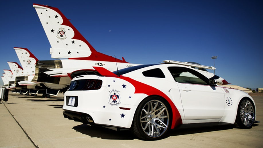 d759bf31-U.S. Air Force Thunderbirds Edition 2014 Ford Mustang GT