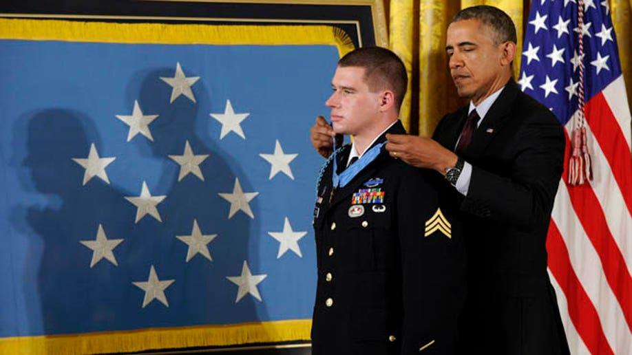 1abaf107-Obama Medal of Honor