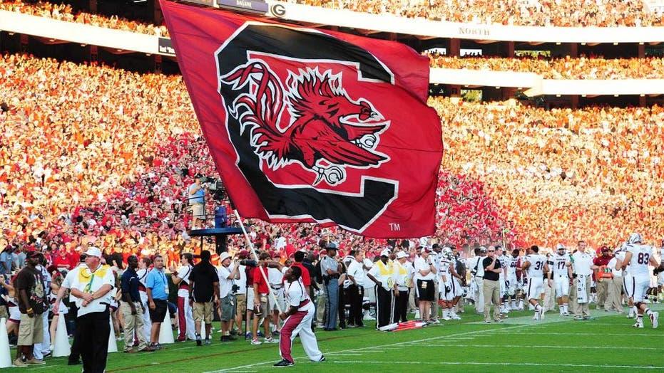 South Carolina names former grad assistant its starting QB