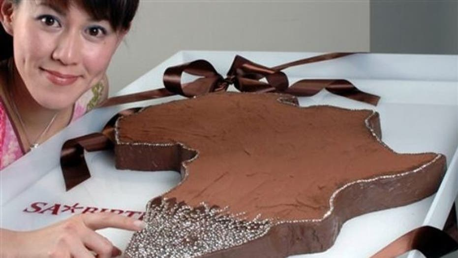 10 insanely expensive cakes