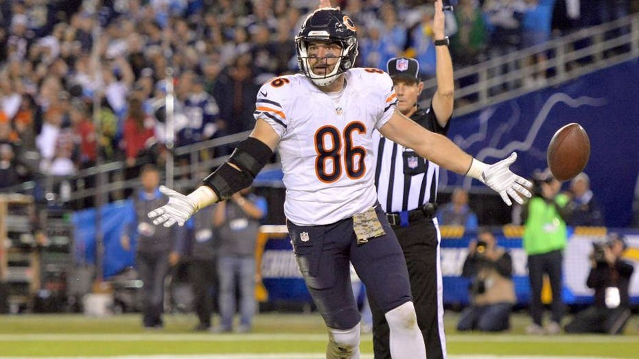 new style 73695 3b844 Chicago Bears' Zach Miller retires more than year after ...