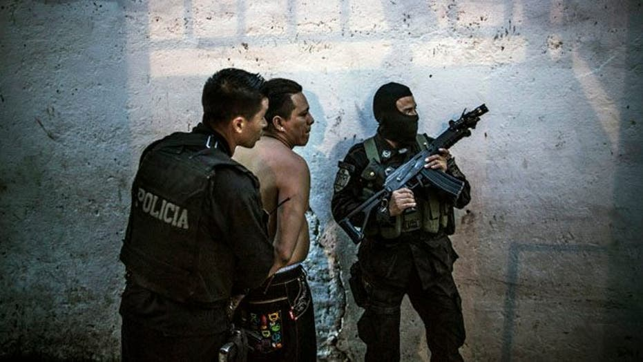 Streets of El Salvador taken over by fear, once again