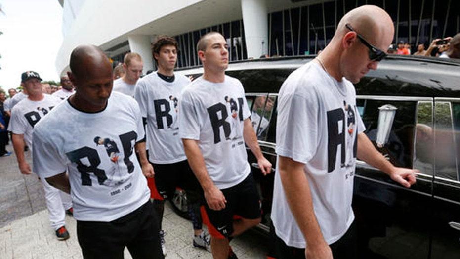 Miami mourns Marlins pitcher José Fernández in motorcade, memorial