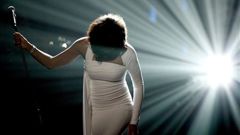 Whitney Houston: 1963-2012