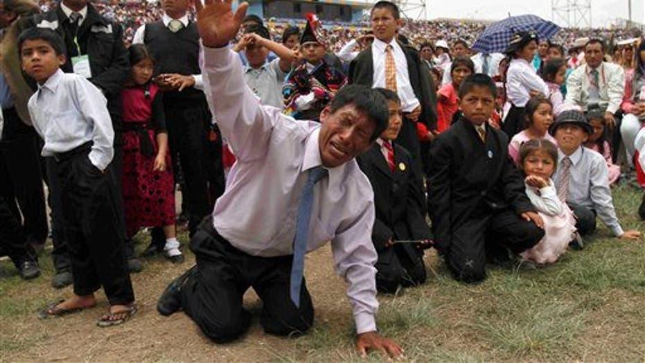 Evangelical Christians In Peru Converge For Prayer