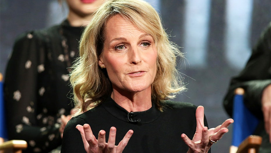 Westlake Legal Group RT_HelenHunt Helen Hunt 'back at work' on 'Mad About You' a week after car accident Julius Young fox-news/entertainment/celebrity-news fox-news/entertainment fox news fnc/entertainment fnc cf78ea05-f058-58bb-86da-1993c14a099d article