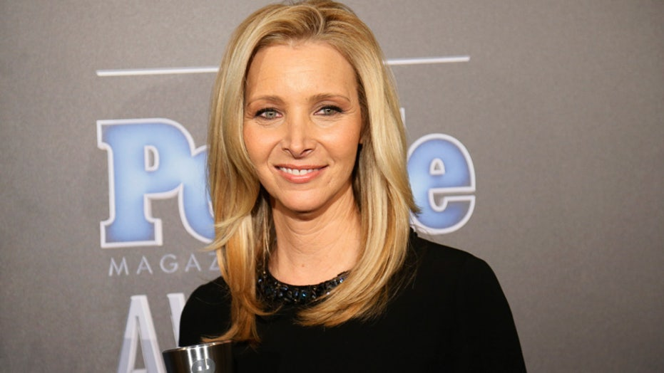 'Friends' alum Lisa Kudrow says she was fired from 'Frasier' before landing iconic role: It 'wasn't working'