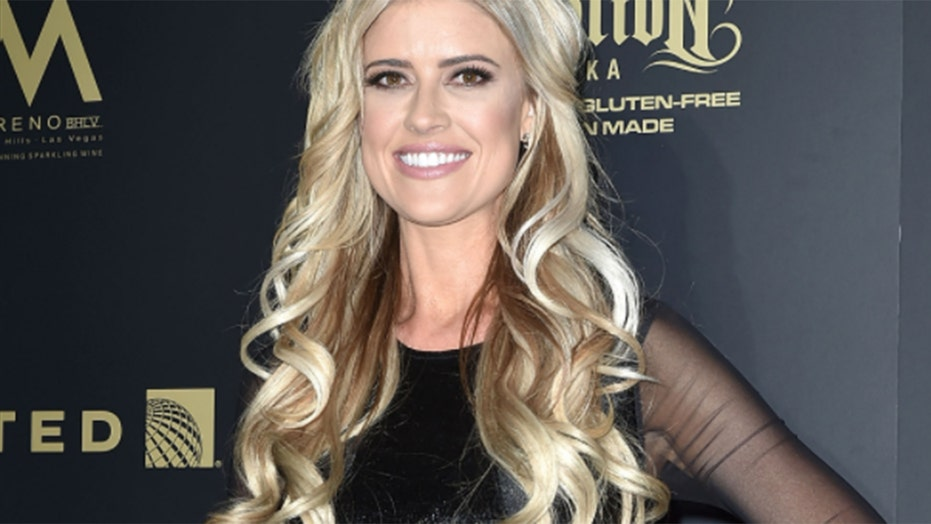 Christina Anstead is focusing on 'what's important in her life' amid Ant Anstead split, 最好的朋友说