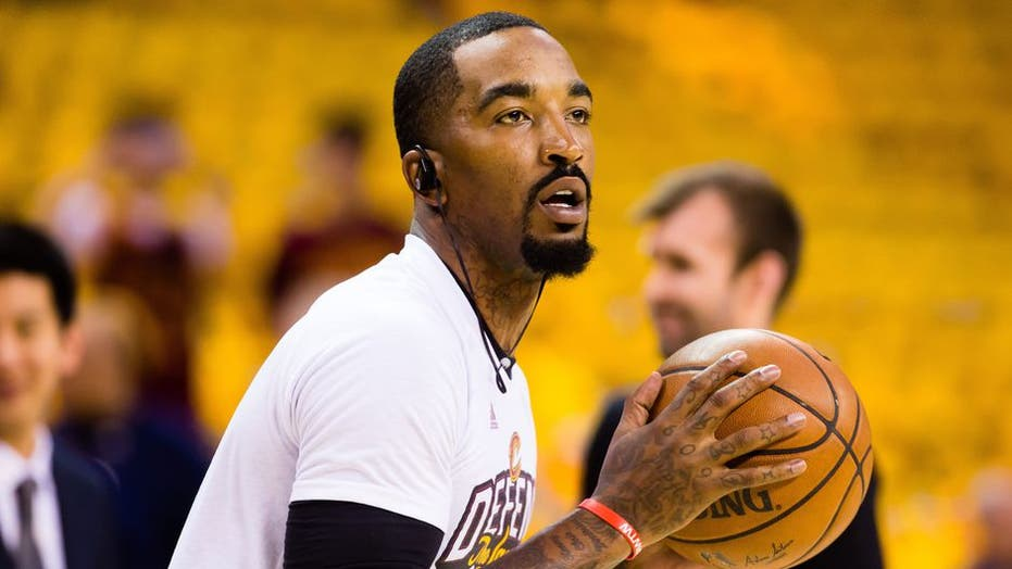 Lakers' J.R. Smith on lack of COVID testing for government officials