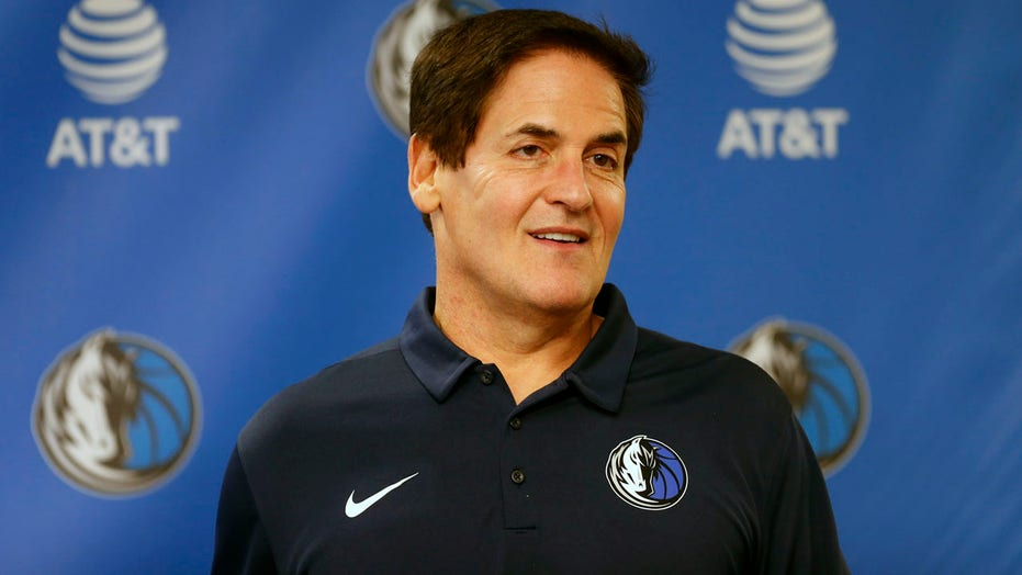 Mark Cuban, Mavericks' national anthem axing draws fervent reaction on social media