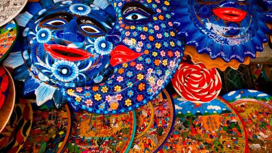 Budget Travel: Ixtapa, Mexico