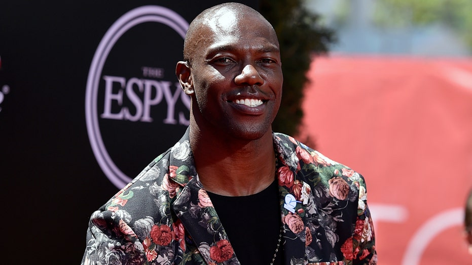 Terrell Owens still won't visit Pro Football Hall of Fame, rips voting process