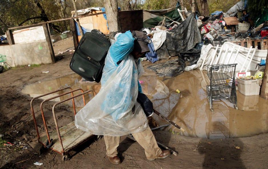 Police breaks down huge California homeless camp | Fox News