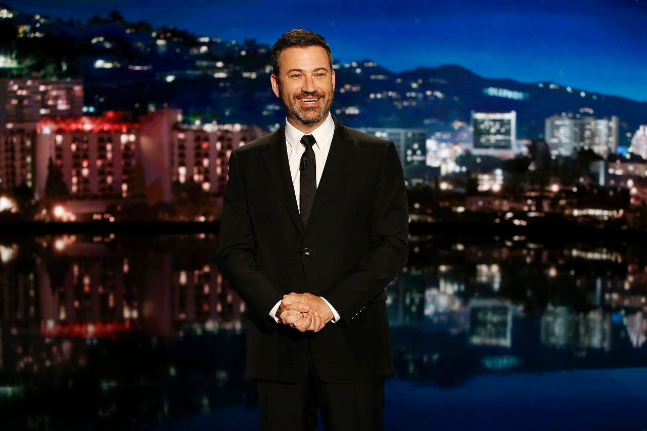 Jimmy Kimmel tricks people into thinking Trump is giving Statue of ...