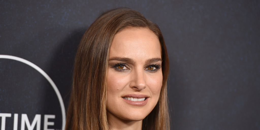 Natalie Portman Real Porn - Natalie Portman acknowledges her 'white privilege,' calls to defund police:  'These are not isolated incidents'   Fox News