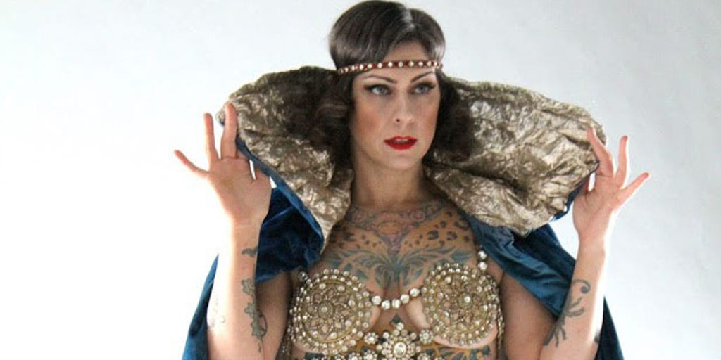 American Pickers Star Danielle Colby Talks Stripping Down As A Burlesque Performer Its Part Of My Life Journey Fox News