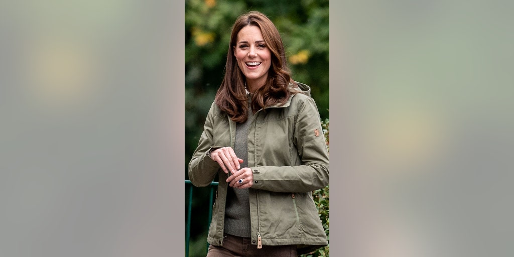 50bf2038c5b Kate Middleton recycles 14-year-old boots for royal engagement