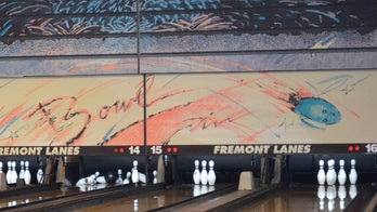 Colorado bowling alley owner dies in pin machine: report