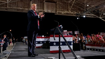 Trump to campaign for Cruz in Texas, 77K sign up for venue that fits 18K