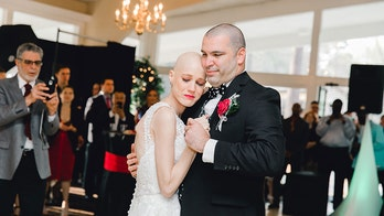 Bride who refused to move wedding despite cancer dies 7 months after dream nuptials