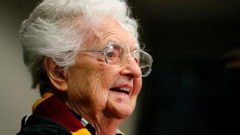 Sister Jean wins 2018 Illinois Senior Hall of Fame award
