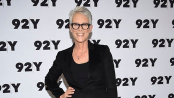 Jamie Lee Curtis wields firearms in new 'Halloween' movie despite advocating for gun control